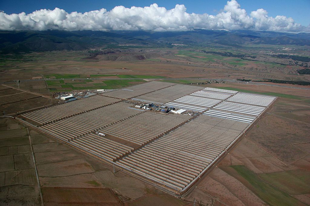 150 MW Andasol solar power station in Spain on a cloudy dayimage courtesy of BSMPS via Creative Commons Attribution-Share Alike 3.0 Unported